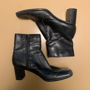 Black Square Toe Ankle Boots   1990s - early 2000s